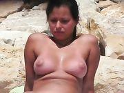 Een naakte vrouw gefilmd voyeur camera