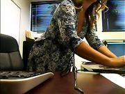 Secretaris naakt op het kantoor live streaming