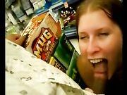 Blowjob in een winkel