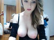 Een schattig Roemeense meisje met grote tieten voor webcam